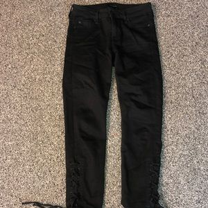 Black cropped jeans